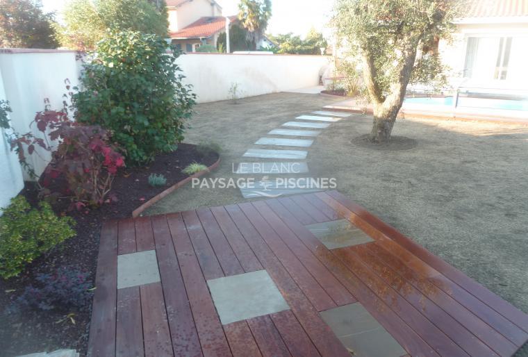 terrasse personnalisée en bois exotique à Barbazan Debat 65