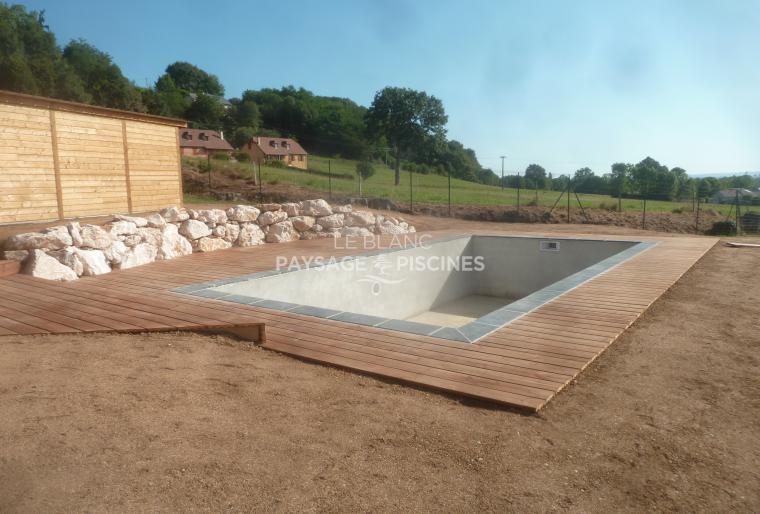 Realisation d'une terrasse bois, enrochement et abris bois - OSSUN 65 -
