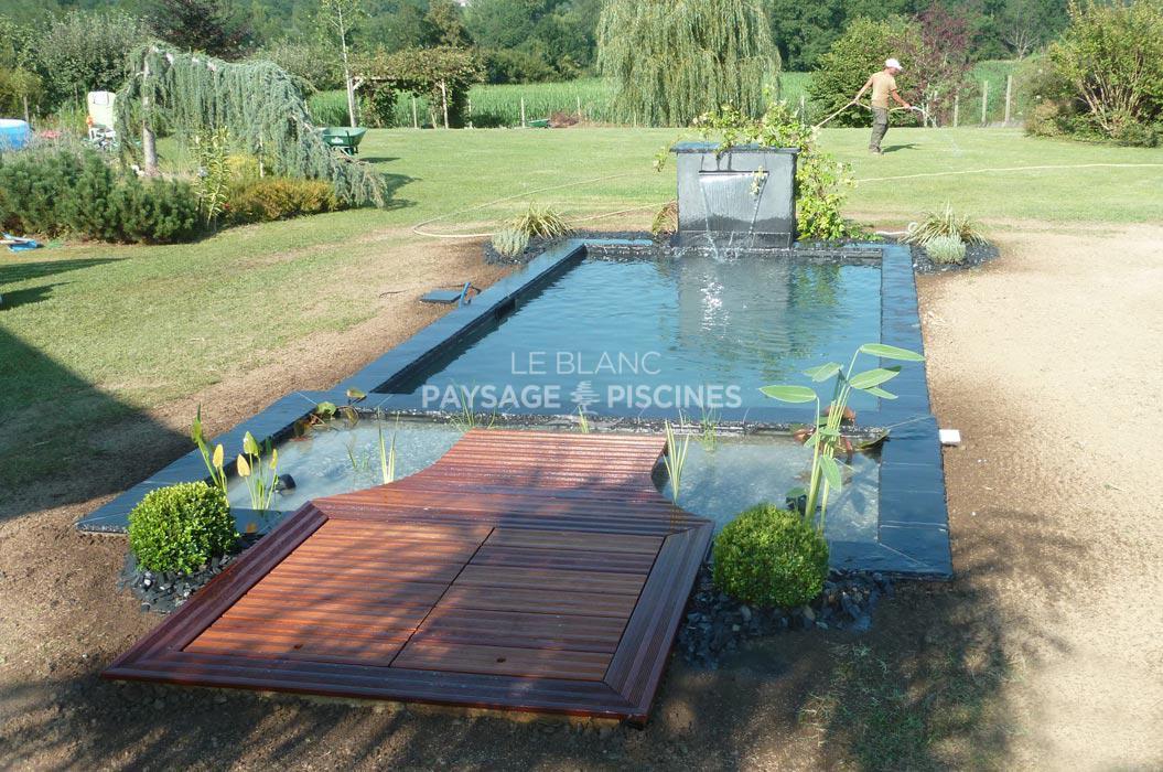 Design bassin d eau jardin poitiers 1321 bassin for Eau verte bassin exterieur